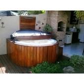 Deck de Madeira Redondo para Spa Goldspacril Ouro Fino
